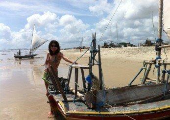 Areia e jangada na Prainha, Ceará